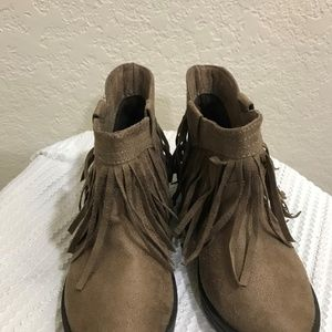 Brown Ankle Boots with Fringe- Girl